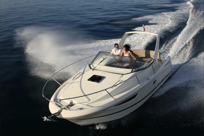 Hire Motorboat Jeanneau Leader 8 Sainte-Maxime
