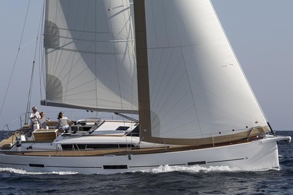 Noleggio Barca a vela Dufour Yachts Dufour 460 GL with watermaker Napoli
