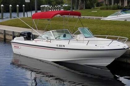 Hire Motorboat Boston Whaler 20' Dauntless Dual Console Nantucket