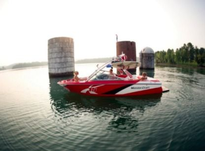 Charter Motorboat Mastercraft X15 South Lake Tahoe