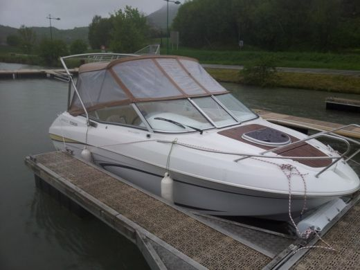 Motorboat BENETEAU Flyer Cabrio 650 for hire