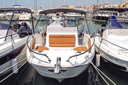 Rental Motorboat BENETEAU Flyer 8 Spacedeck Cambrils