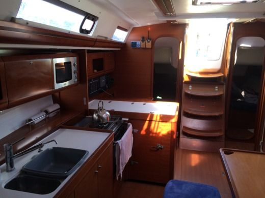 DUFOUR 405 GRAND LARGE in Saint-Mandrier-sur-Mer peer-to-peer