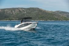 Quicksilver Activ 755 Sd in Trogir for hire