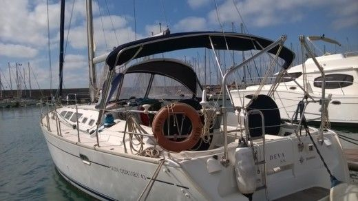 Jeanneau Sun Odyssey 43 in Toulon peer-to-peer