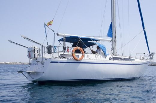 Sailboat Puma 37 for hire