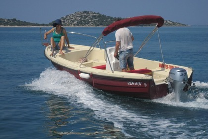 Hire Motorboat VEN 501 OPEN FLY Vodice