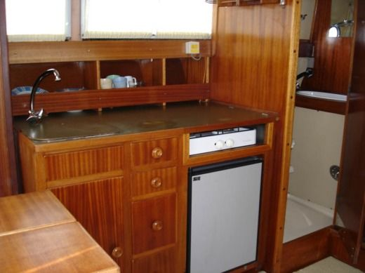 Motorboat Coronet 31 Capitain for hire