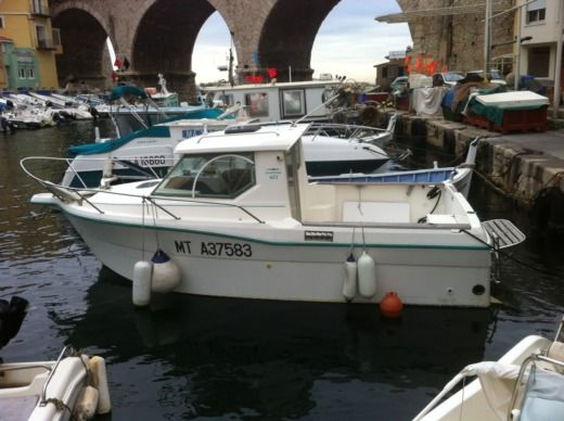 Motorboat Oqueteau Oqueteau 625 for hire