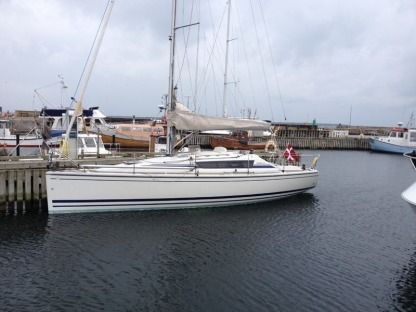 Rental Sailboat Dehler Dehler 33 Cruising Morlaix