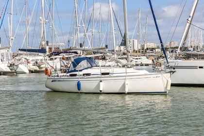 Rental Sailboat BAVARIA 30 CRUISER La Rochelle