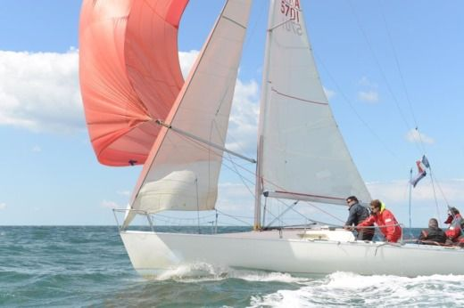 Beneteau First Class 8 in La Turballe for hire