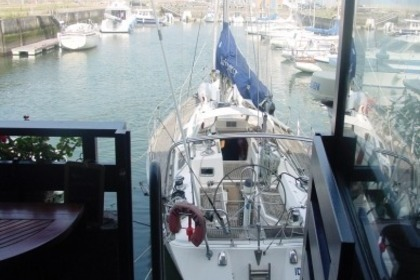 Hire Sailboat DUFOUR 42 Deauville