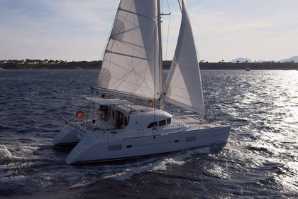Hire Catamaran Lagoon 380 S2 Owner Version Tahiti