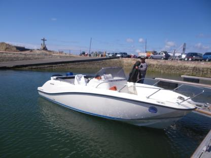 Rental Motorboat Brunswick Marine Active  675 Open Parentis-en-Born