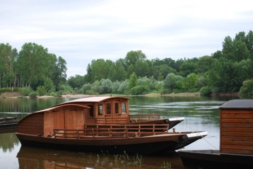 Charter houseboat in Messac peer-to-peer