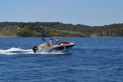 Charter Motorboat Okiboats Barracuda 545 Supetarska Draga