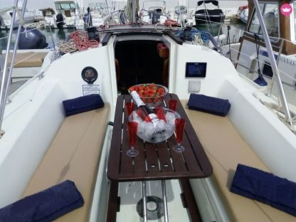 Rental Sailboat Jeanneau 28.1 Ibiza