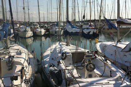 Rental Sailboat Comar Comet 36 Ostia