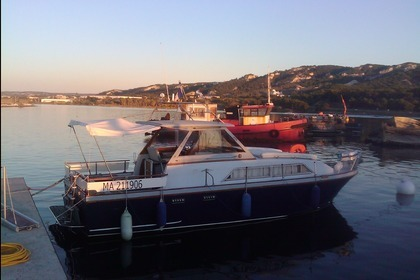 Hire Motorboat GUY COUACH VEDETTE Martigues