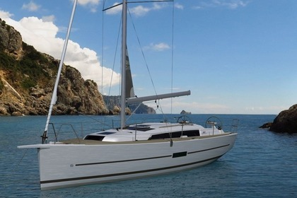 Rental Sailboat DUFOUR 360 X-TREM Arzon