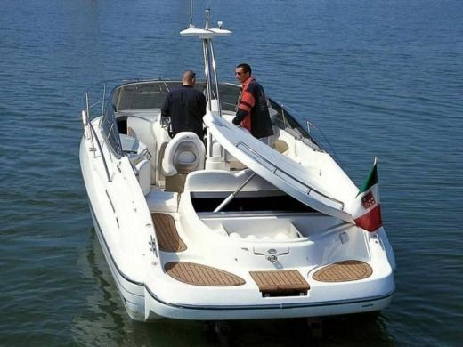 Motorboat CRANCHI 28 Csl for hire