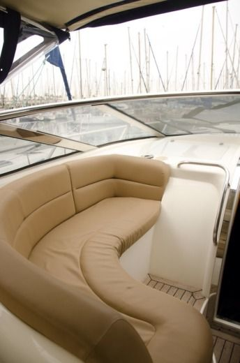 Motorboat Sunseeker Camargue 52 for hire