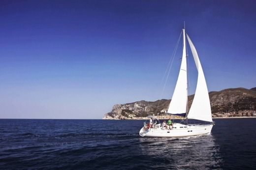 Sailboat Beneteau Oceanis 423 peer-to-peer