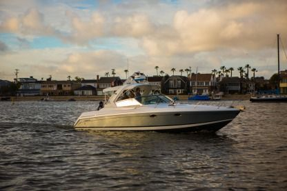 Rental Motorboat Formula 330 Ss Newport Beach