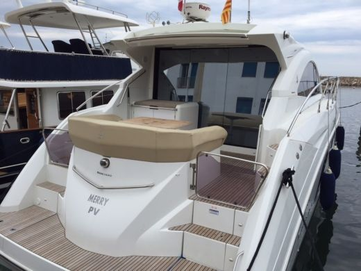 Charter motorboat in Saint-Cyprien peer-to-peer