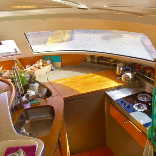 Fountaine Pajot Bahia 46 in Pointe-a-Pitre peer-to-peer