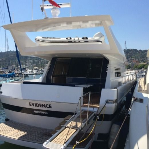 CANTIERI DI PISA AKHIR 22S in Cannes for hire