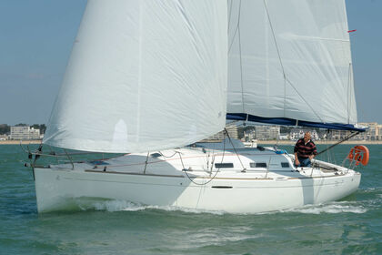 Rental Sailboat BENETEAU FIRST 36.7 Brest