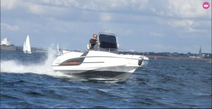 Rental Motorboat Beneteau Flyer 5.5 Spacedeck Lorient