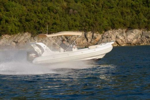 Aga Marine Xspirit 640 in Herceg Novi for rental