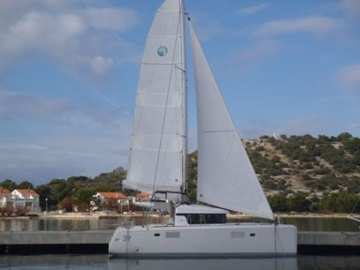 LAGOON Lagoon 39 in Betina for hire