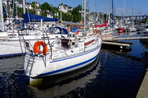 Jeanneau Symphonie Q in Roscoff for hire