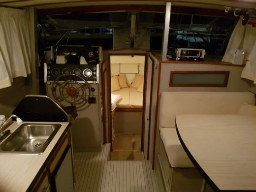 Noleggio Barca a motore Chris Craft 31 Commander Sport Express Portoscuso
