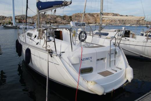 JEANNEAU SUN ODYSSEY 32.2 in Marseille peer-to-peer