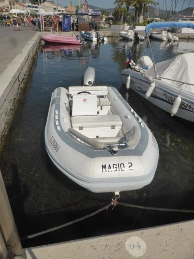Novurania 430 in Saint-Cyr-sur-Mer for hire