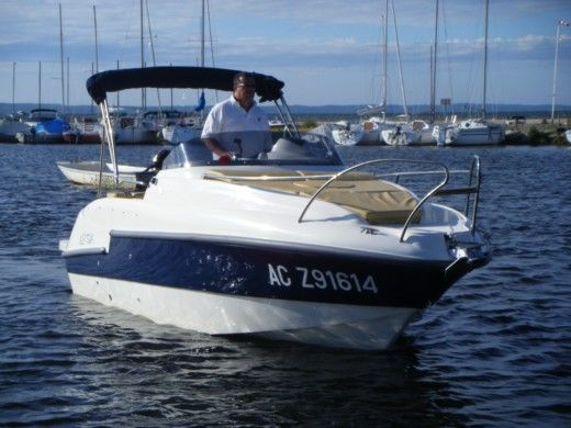 Motorboat Lexsia 20Xs peer-to-peer