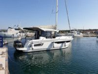 Motorboat Jeanneau Merry Fisher 895 for hire
