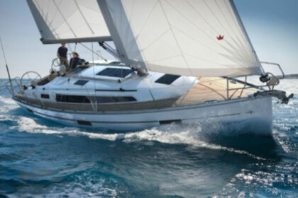 Charter Sailboat Bavaria 37 Cruiser Lefkada