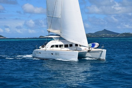 Location Catamaran Lagoon LAGOON 380 (4 CAB+2) Mahé