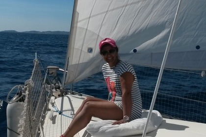 Rental Sailboat Jeanneau Sun odyssey 37.1 Cogolin