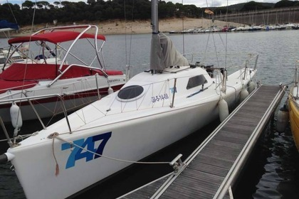 Rental Sailboat Vent Réel 747 One Design Carnon