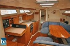 Sailboat Jeanneau Sundance 36 for hire