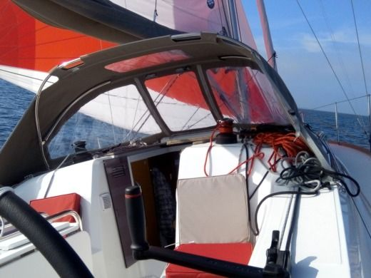Jeanneau Sun Odyssey 349 in Pornic for hire