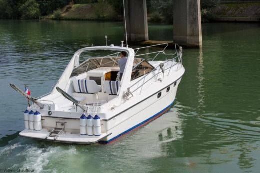 Fairline Targa in Paris