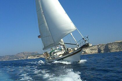 Hire Sailboat Blue Water Vagabond 47 Carnon
